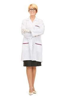 Image lumineuse d'une femme médecin séduisante sur blanc