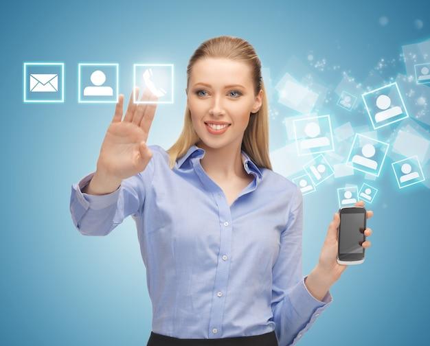 Image lumineuse de femme avec smartphone