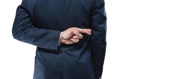 Image des mains d'un homme avec les doigts croisés sur un fond blanc. vue arrière. concept d'entreprise. technique mixte