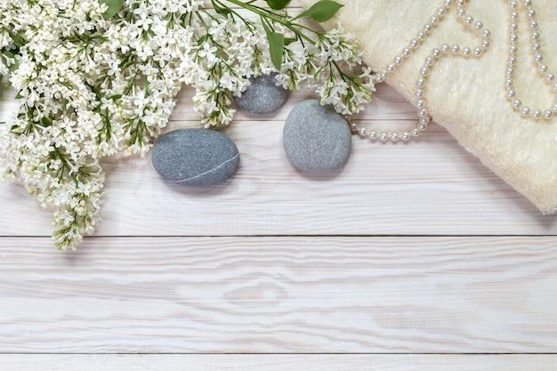Image avec des pierres.