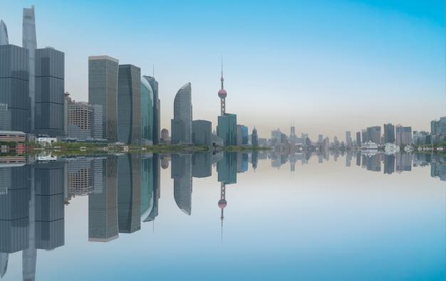 Immeuble de bureaux d'architecture contemporaine, paysage urbain, perspective personnelle,