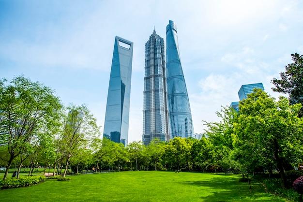 Immeuble de bureaux d'architecture contemporaine