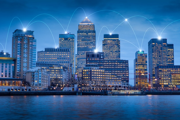Immeuble de bureaux londonien pour réseau et futur concept