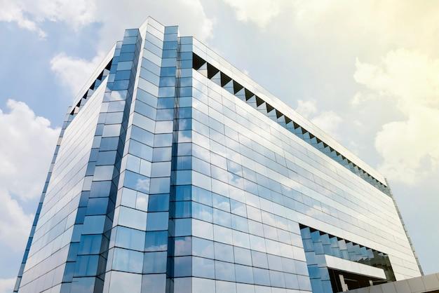 Immeuble de bureaux sur la ville