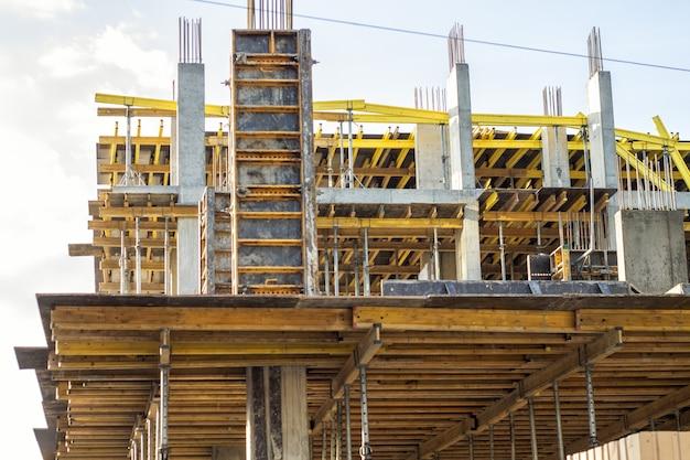 Immeuble de grande hauteur en construction travaux en cours