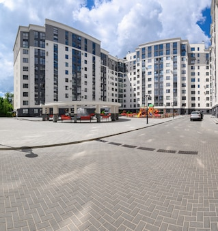 Immeuble tout neuf typique à chisinau en moldavie