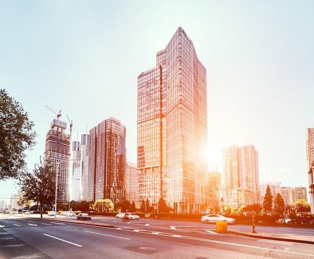 Les immeubles de bureaux au coucher du soleil