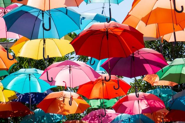 Impression de fond parapluie coloré
