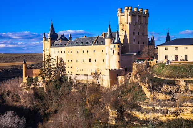 Impressionnant château de l'alcazar à ségovie