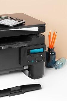 Imprimante, copieur, scanner au bureau. lieu de travail.