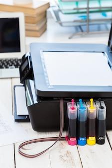 Imprimante et ordinateur.