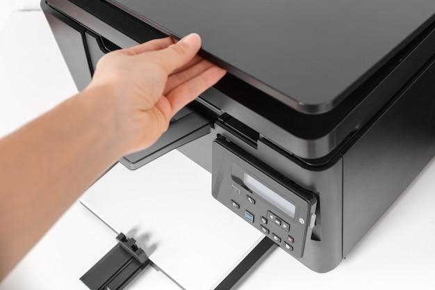 Imprimante sur la table