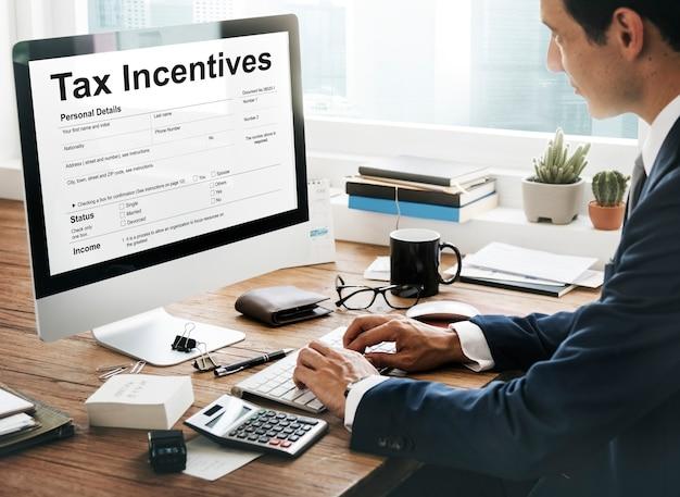 Incitation fiscale avantage d'audit paiement en espèces concept de revenu