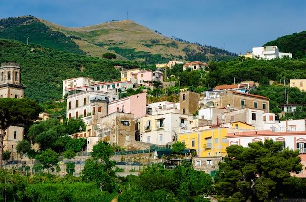 Incroyable architecture italienne à vico equense, campanie