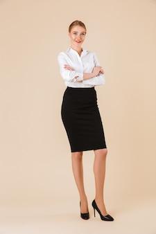 Incroyable jeune femme d'affaires