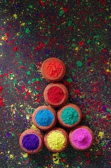 Indian festival holi, couleurs dans un bol en bois