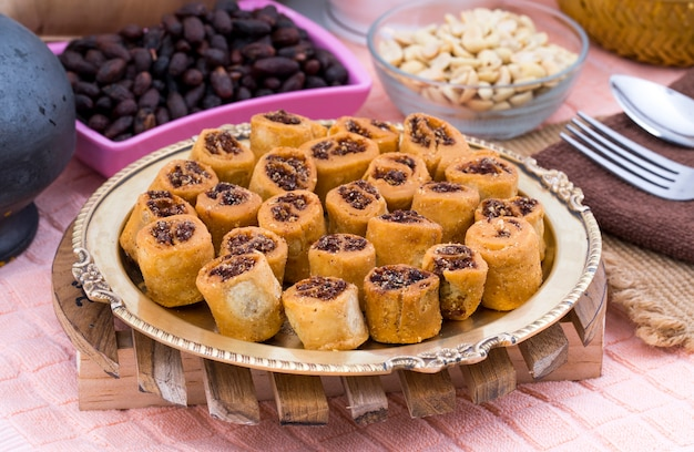 Indien bhakarwadi frites thé en-cas