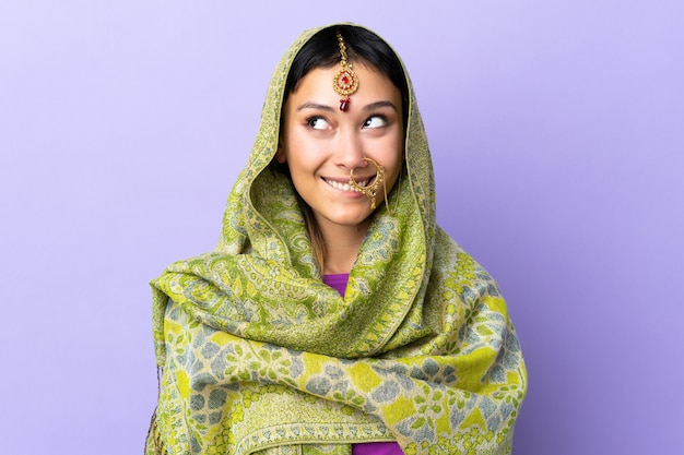 Indien, femme, isolé, pourpre, avoir, doutes, quoique, recherche