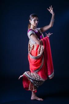 Indien, femme, jambe haut