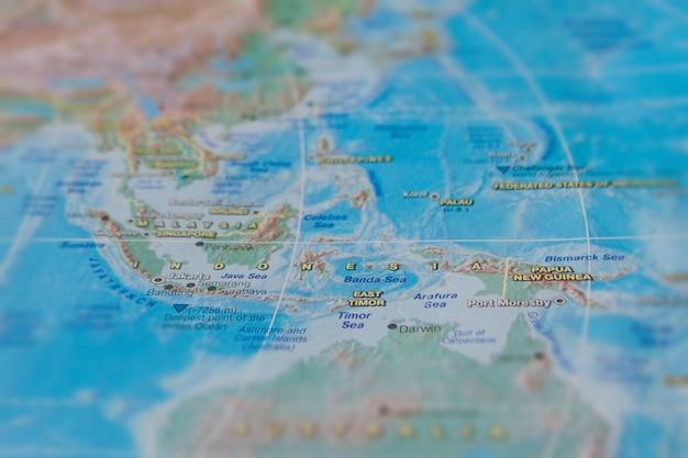 Indonésie sur une carte papier