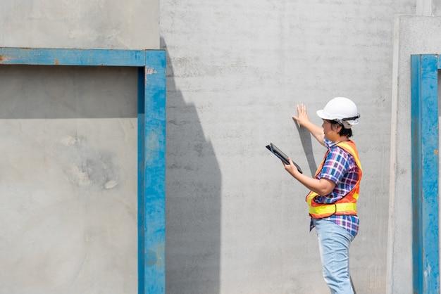 Ingénieur en construction femme sur chantier