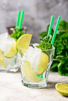 Ingrédient pour cocktail préparé à la lime
