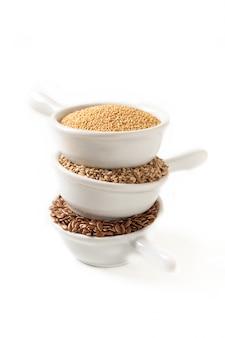 Ingrédients alimentaires sains 3 types de céréales sans gluten lin