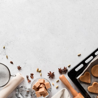 Ingrédients de boulangerie vue de dessus avec plateau à biscuits