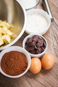 Les ingrédients de brownie. fond de l'ingrédient boulangerie.