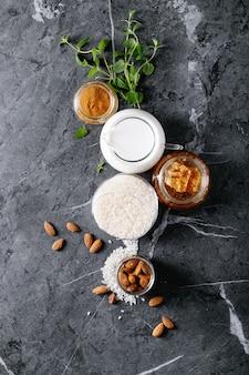 Ingrédients crus pour la cuisson du riz au lait
