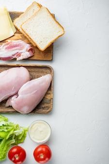 Ingrédients frais pour un délicieux sandwich, sur blanc