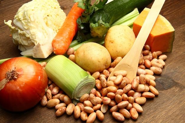 Ingrédients frais pour minestrone