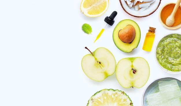 Ingrédients naturels pour les soins de la peau et le gommage maison