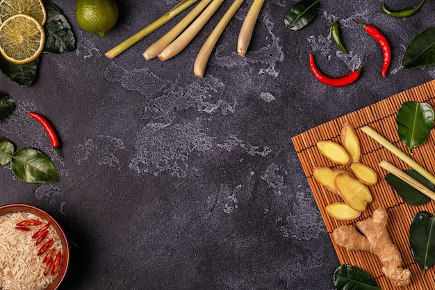 Ingrédients de la nourriture épicée asiatique