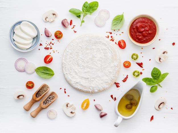 Les ingrédients d'une pizza maison