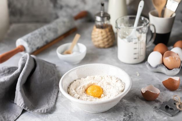 Ingrédients pour la cuisson de crêpes, muffins, gâteaux