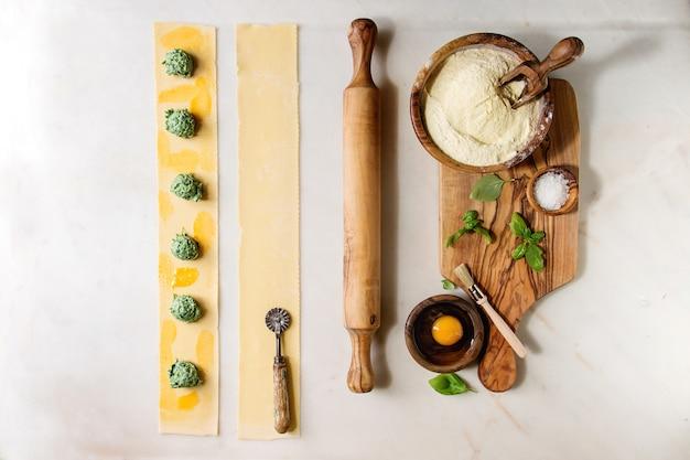 Ingrédients pour la cuisson des pâtes maison
