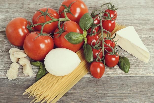 Ingrédients Pour La Cuisson Des Pâtes Photo gratuit