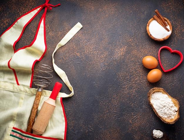 Ingrédients pour la cuisson et tablier