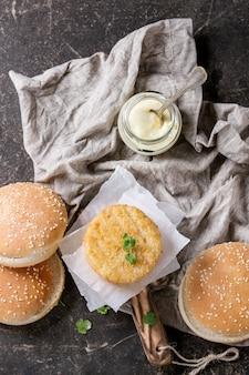 Ingrédients pour faire un hamburger végétalien