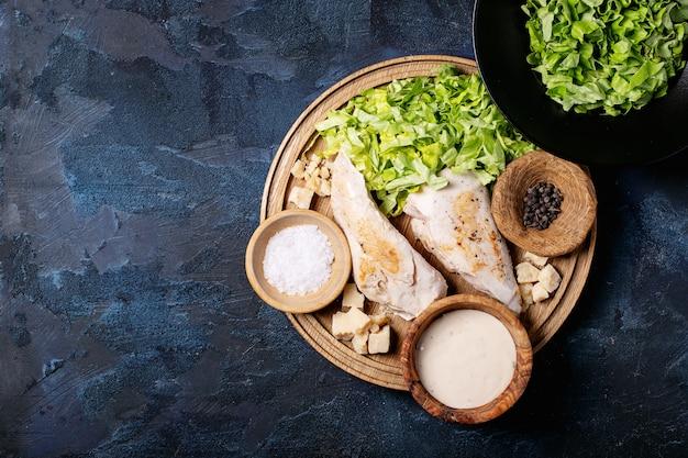 Ingrédients pour faire une salade césar