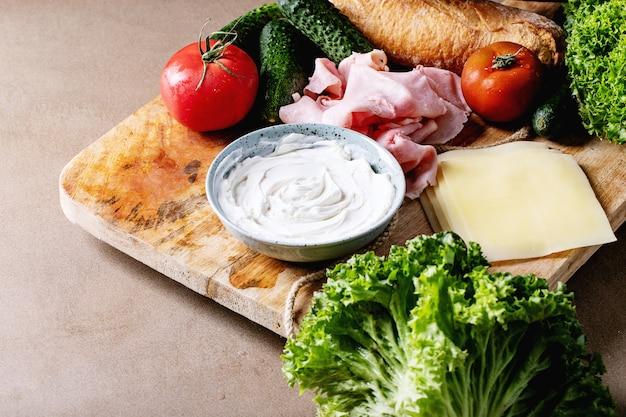 Ingrédients pour faire un sandwich
