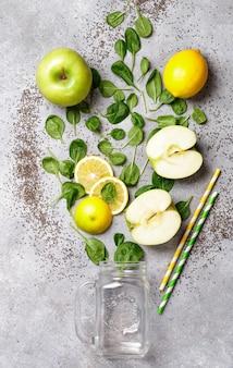 Ingrédients pour faire des smoothies verts