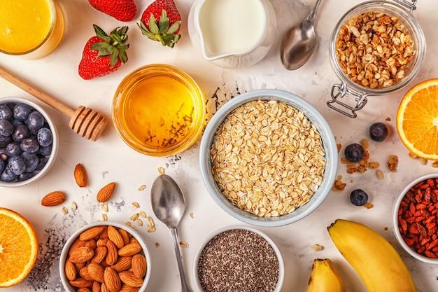 Ingrédients pour un petit-déjeuner sain