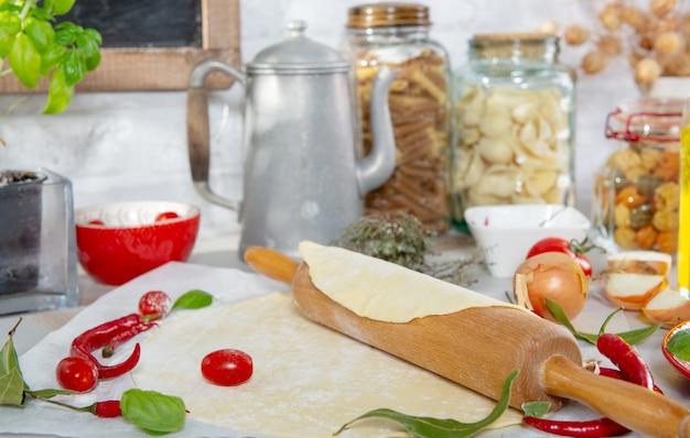Ingrédients pour la préparation de la pizza