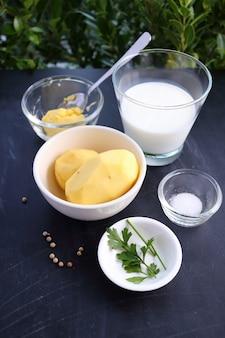 Ingrédients pour purée de pommes de terre