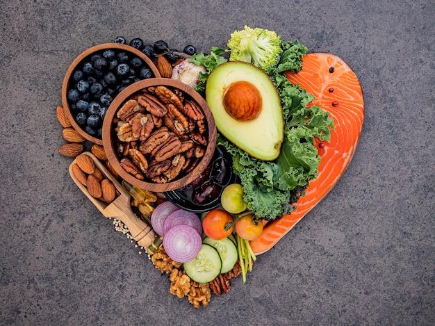 Ingrédients pour une sélection d'aliments sains.