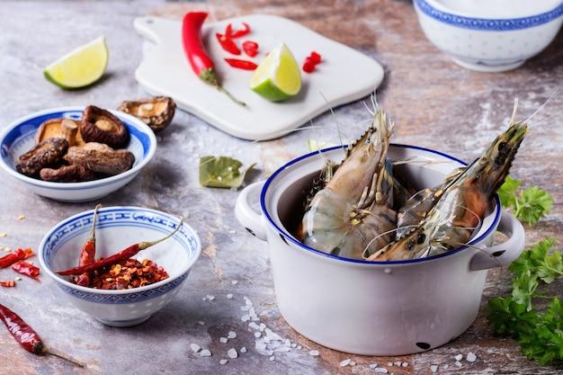 Ingrédients pour soupe tom yam