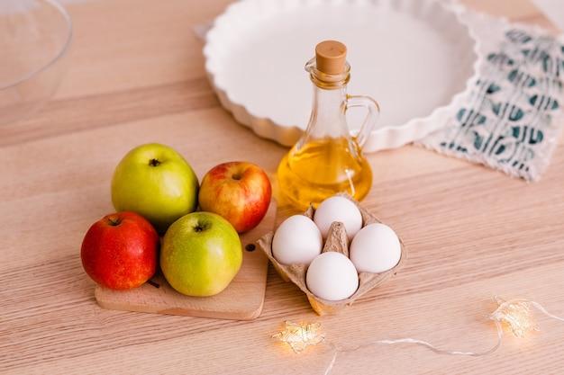 Ingrédients pour tarte aux pommes traditionnelle