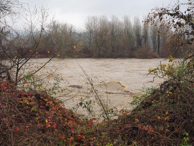 Inondation du pô à turin